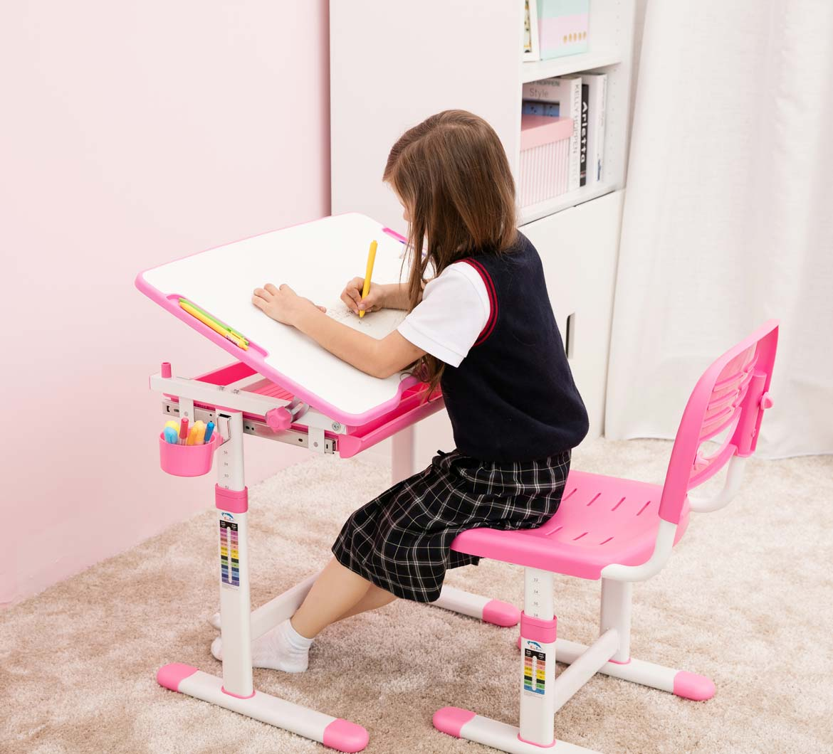 Beautiful pink desk for girls best desk quality children for Toddler mini chair